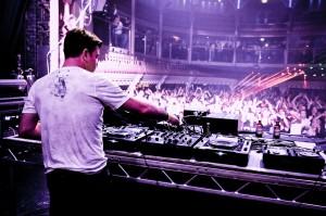 Playing to the crowd Paul Oakenfold International DJ
